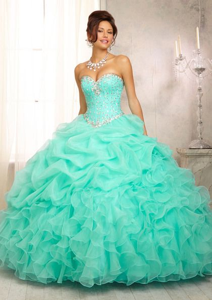 73e39fb74dd How to Plan a Classy Tiffany Blue Quinceanera - Quinceanera