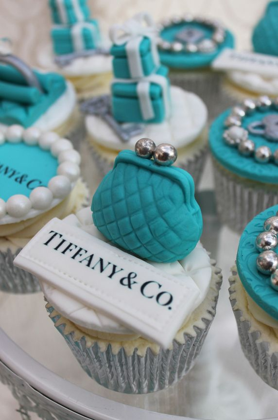 6b54a8dd7e How to Plan a Classy Tiffany Blue Quinceanera - Quinceanera