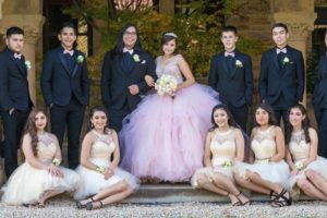 quinceanera_and_court_of_honor-min